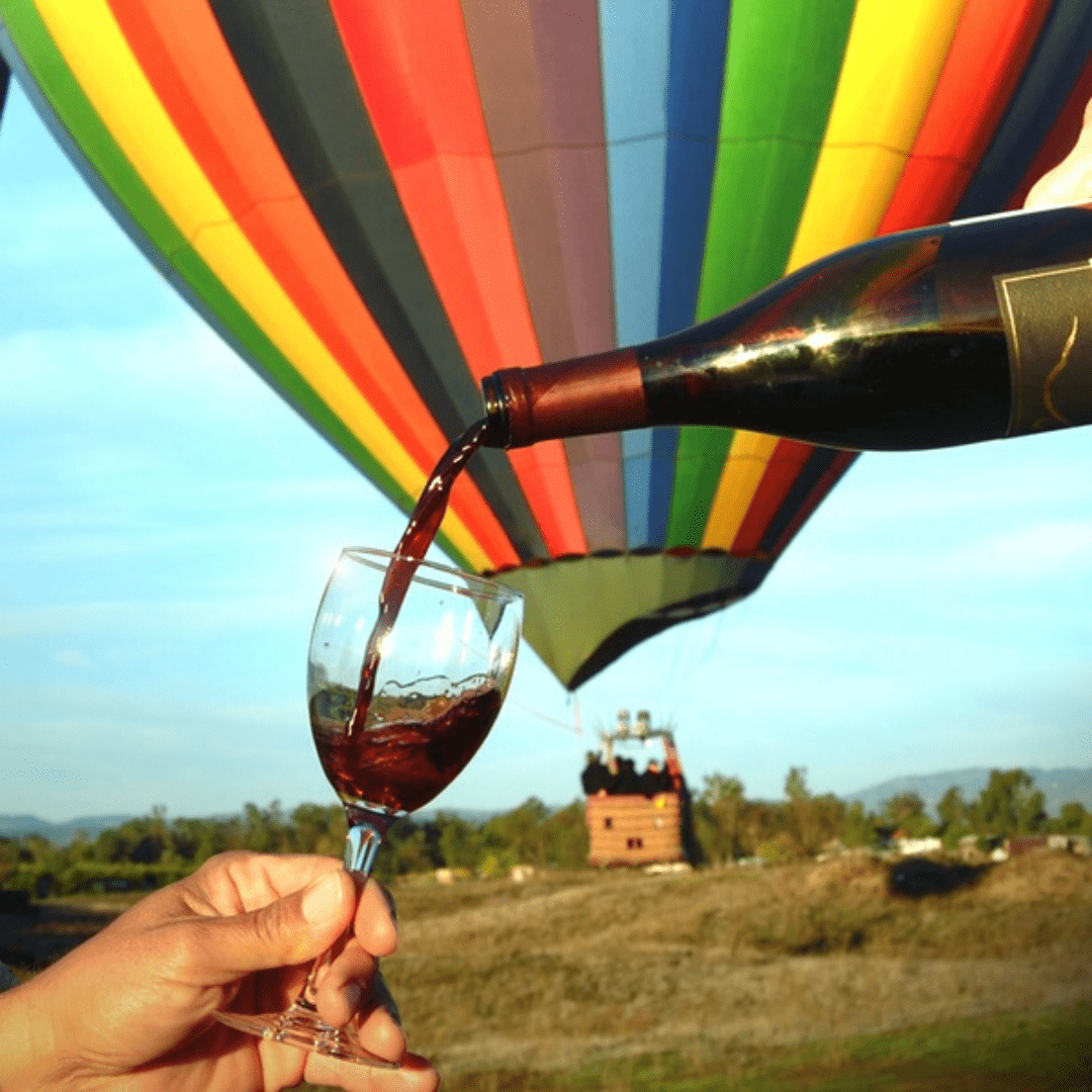 Hot air balloon ride with wine (included)